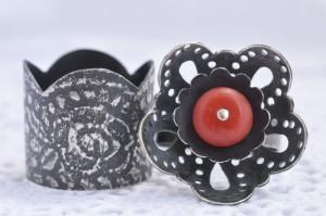 Kantwerk – ringen – zilver, antieke bloedkoraal